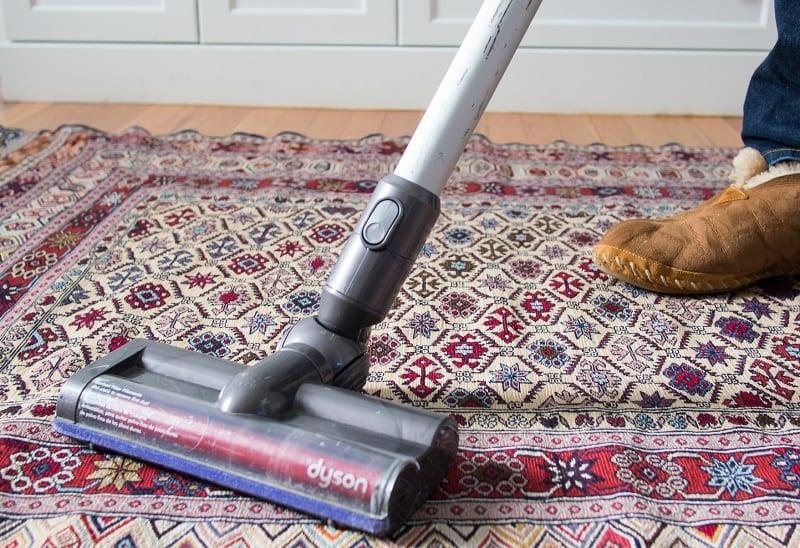 cordless vacuum on carpet